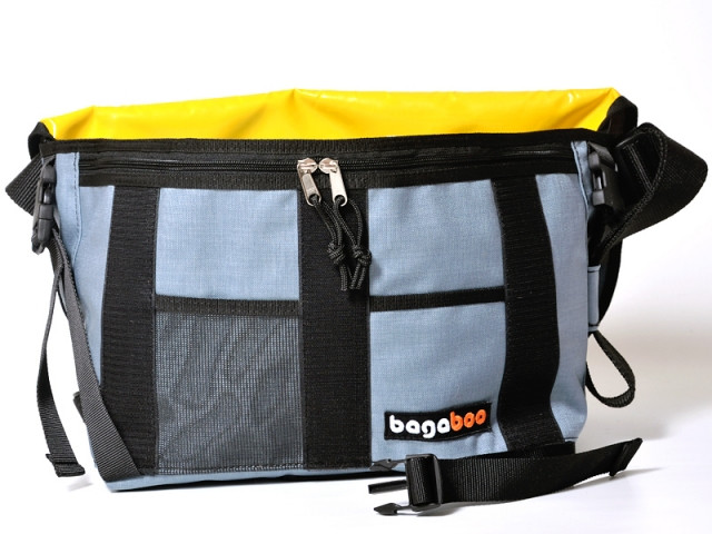 bagaboo eco messenger bag zippered outer pockets