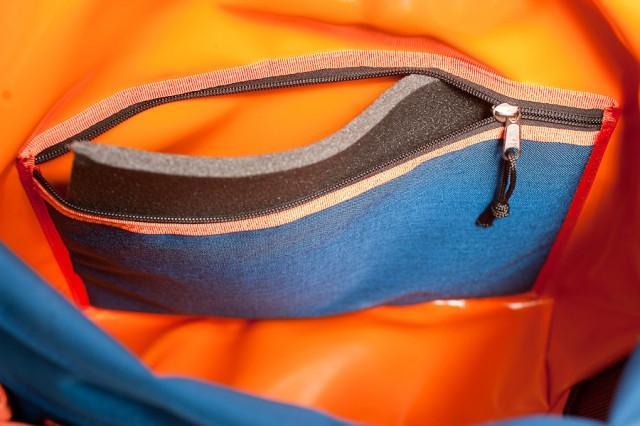 bagaboo messenger bag inner padded back pocket
